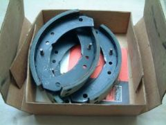 Full Set of New Front Brake Shoes 105E Anglia 997cc